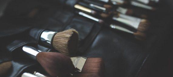 Delikatny makijaz oczu – krok po kroku